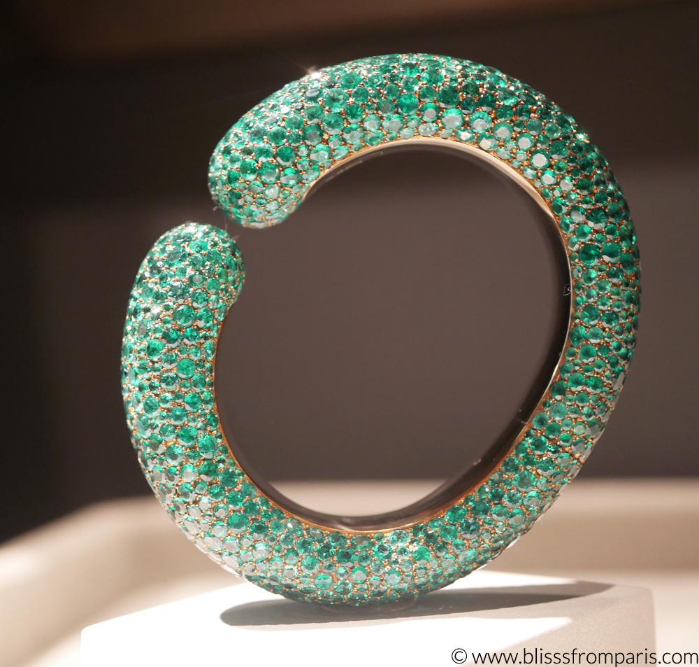 Emerald cuff by Hemmerle