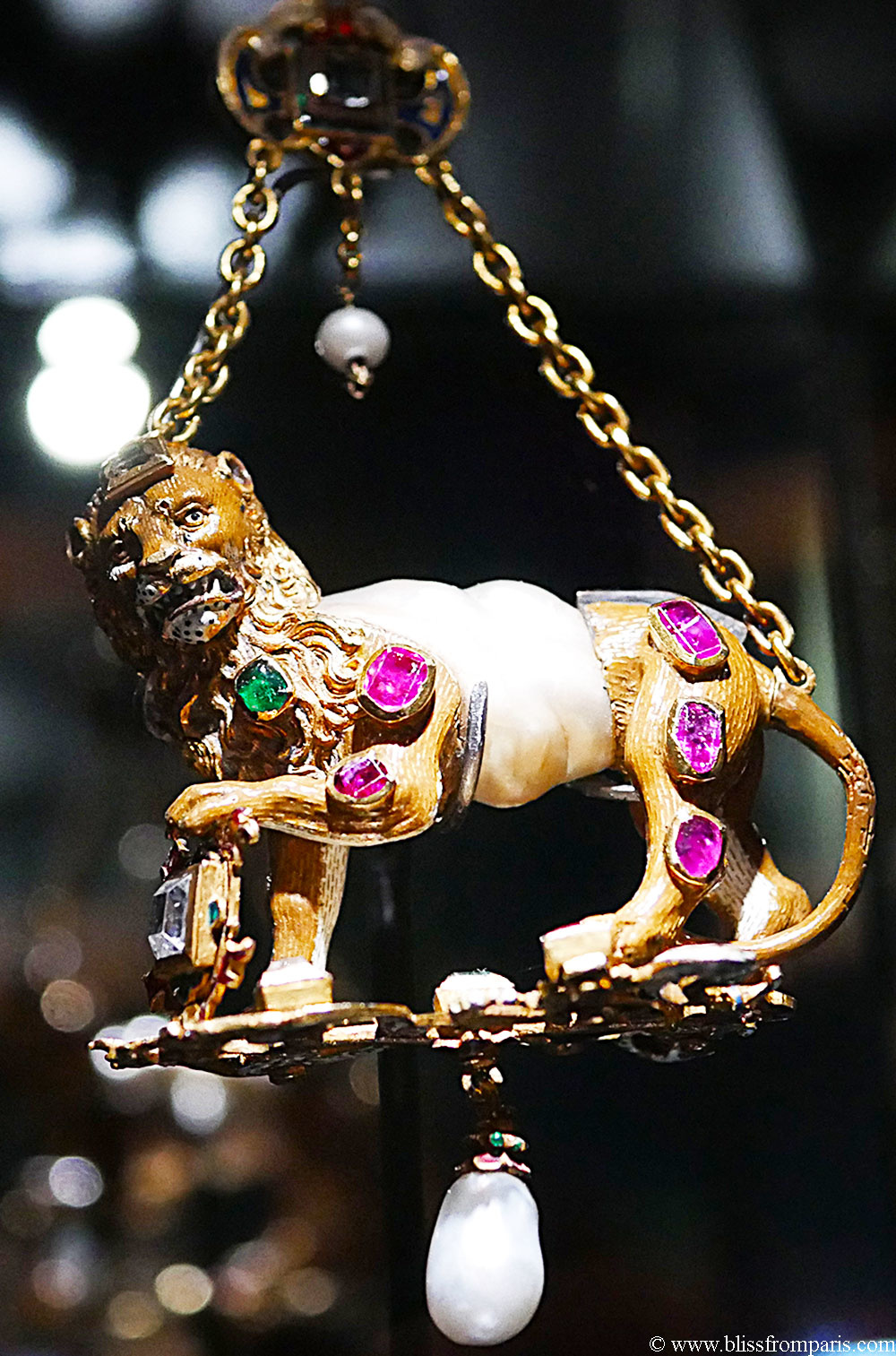Golden lion pendant