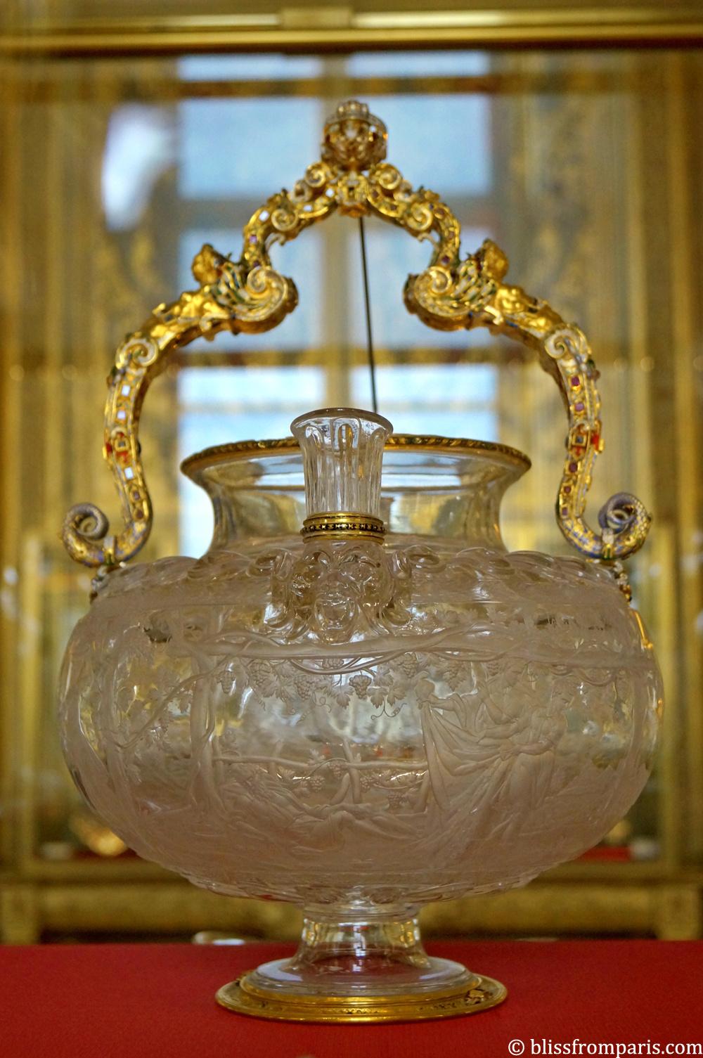 Pot à bouquet en cristal de roche, monture or émaillé
