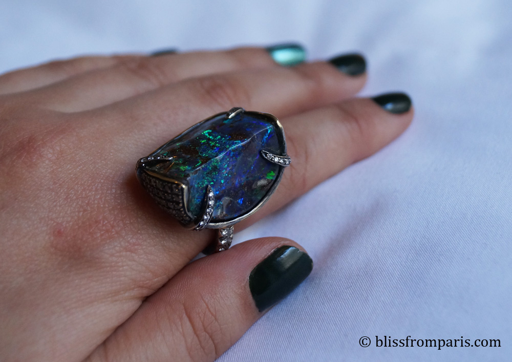 Bague, opale, diamants © Bliss from Paris