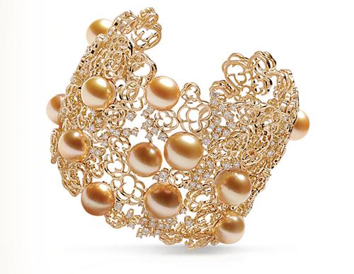 Jewelmer-Manchette en or jaune, diamants, perles de culture dorées de Mers du sud © Jewelmer