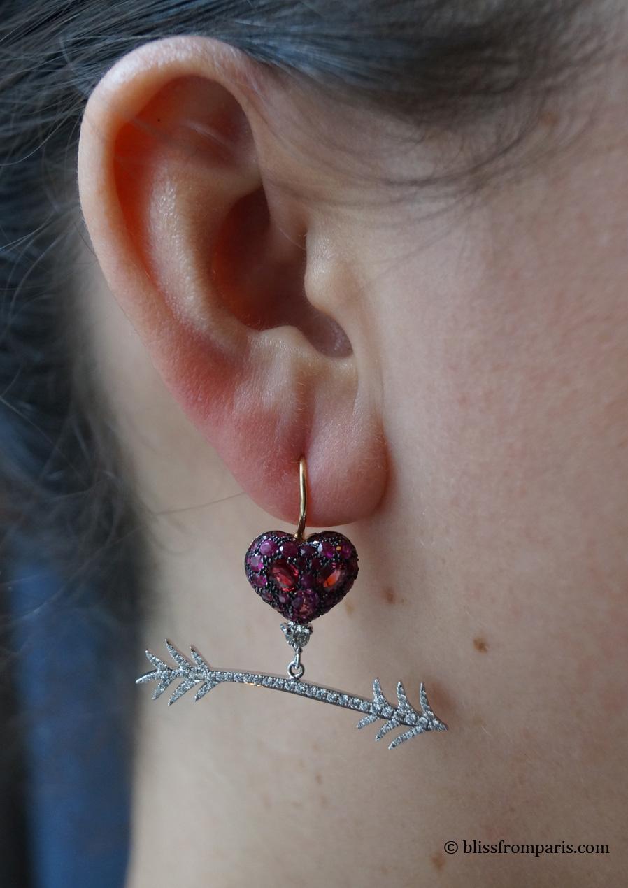 Boucles d'oreilles, spinels, rubis, diamants © Bliss from Paris