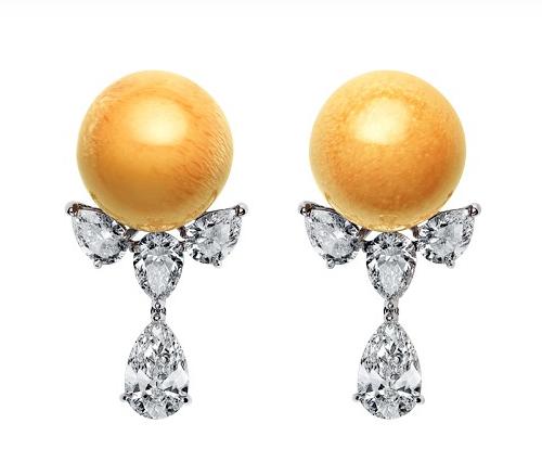 Mikimoto- Boucles d'oreilles ornées de perles de melo (perle naturelle), diamants,platine © Mikimoto