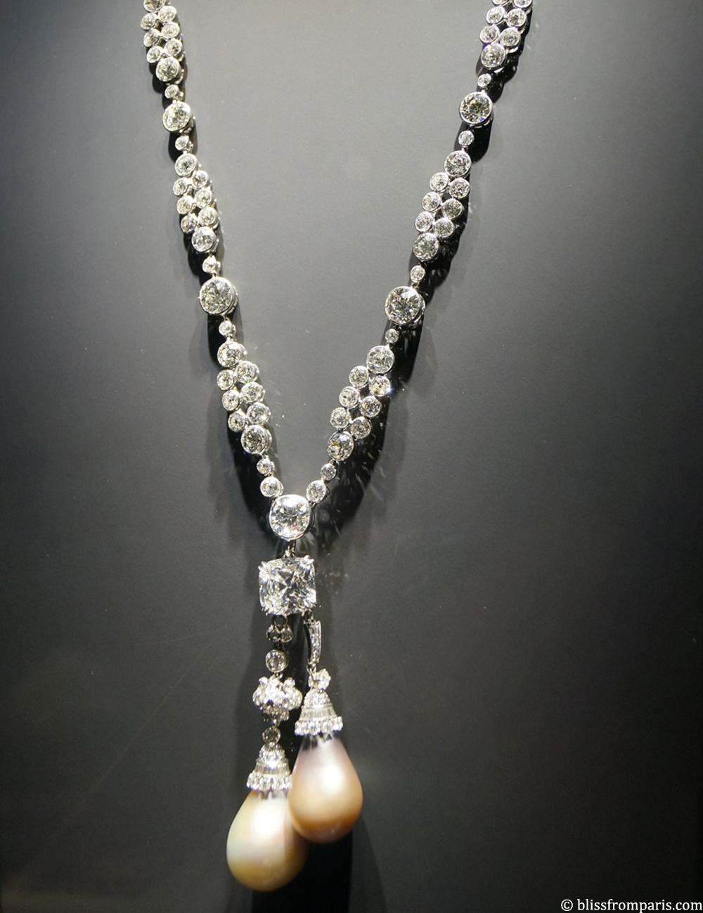 Collier de Van Cleef &Arpels, perles grises, diamants
