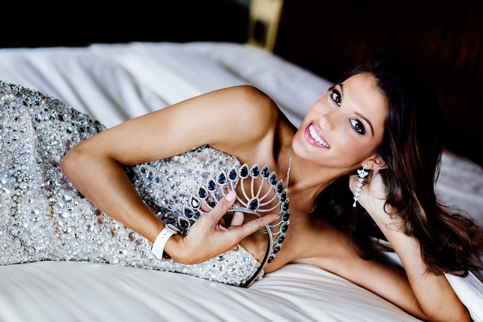 Julien d'Orcel dévoile la couronne Miss France 2017
