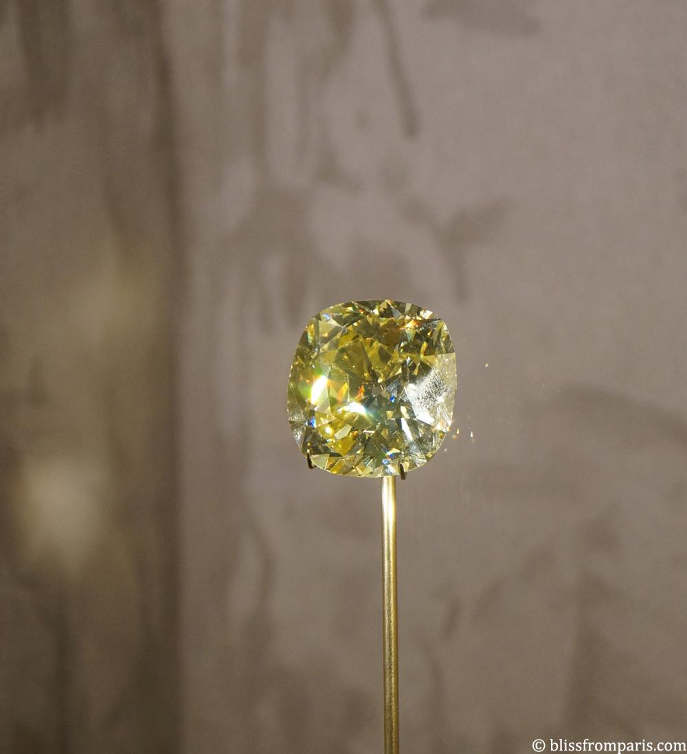 Diamant jaune de 114 carats, Fancy Vivid Yellow