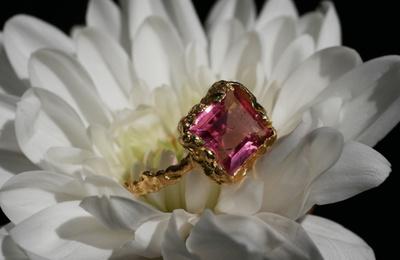 Bague avec la tourmaline rose © www.blissfromparis.com